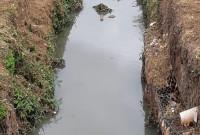 Esgoto continua sendo lançado no Córrego Confusão