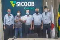SICOOB CREDISG faz doação de R$390 Mil para a